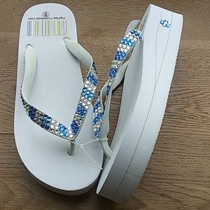 Shoes - WHITE flip flops with Swarovski Crystals size 9